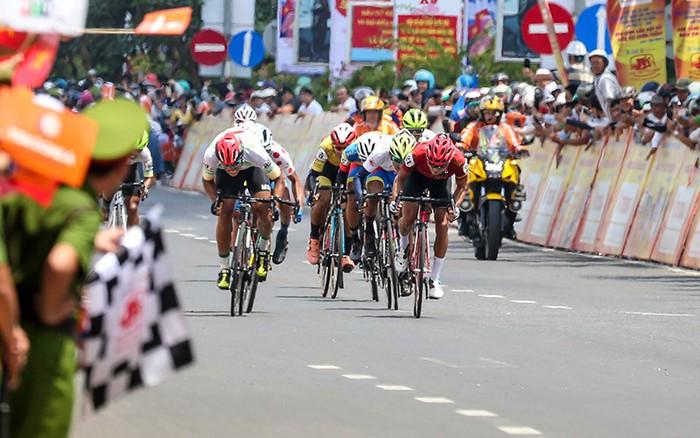Trịnh Đức Tâm lên tiếng ở chặng 16 Cúp Truyền hình TP. Hồ Chí Minh - ảnh 10