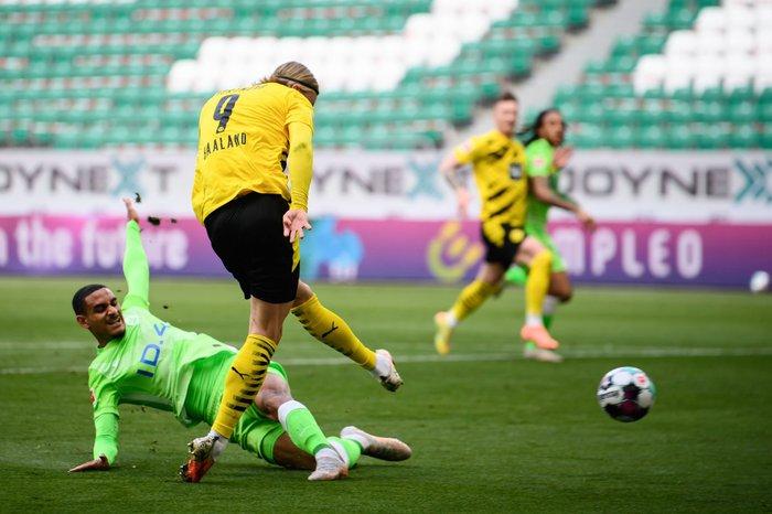 Erling Haaland bùng nổ đưa Dortmund áp sát top 4 - Ảnh 4.