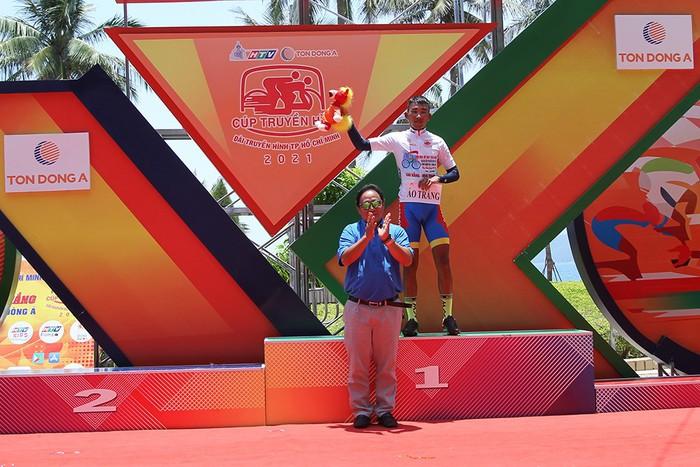 Lê Nguyệt Minh xuất sắc thắng chặng 17 Cúp Truyền hình TP. Hồ Chí Minh - Ảnh 8.