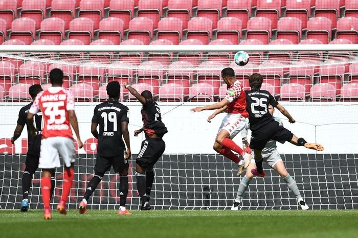Bất ngờ nhận thất bại trước Mainz 05, Bayern Munich bỏ lỡ cơ hội vô địch sớm - Ảnh 5.