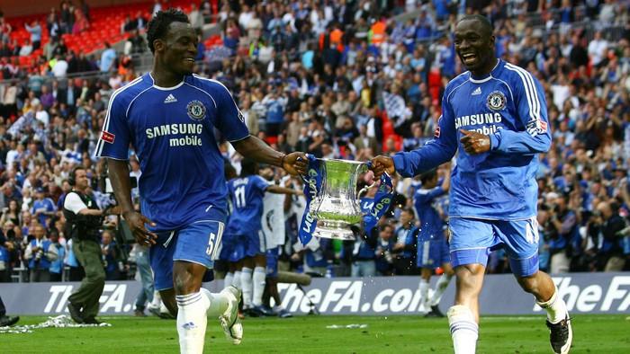Những bộ 3 tiền vệ hay nhất khi thi đấu cùng nhau thế kỷ 21 - Ảnh 3.