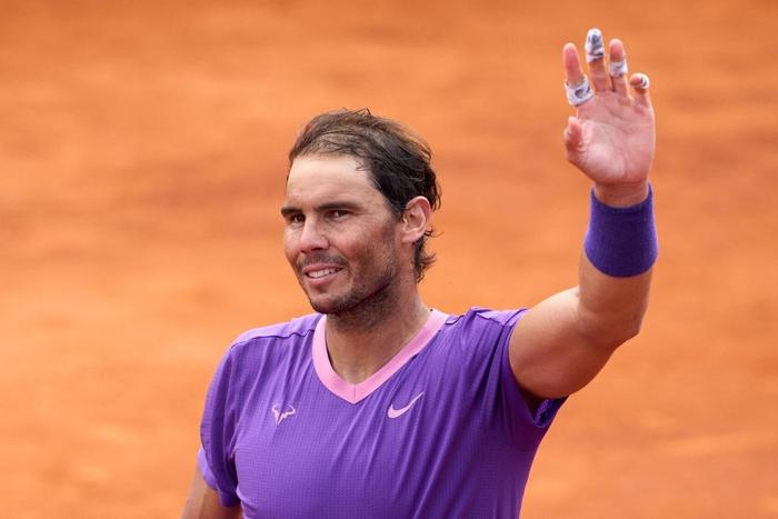 Nadal vào chung kết Barcelona, Djokovic thua sốc ở quê nhà - Ảnh 1.