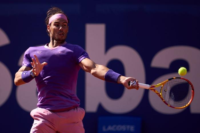 Nadal vào chung kết Barcelona, Djokovic thua sốc ở quê nhà - Ảnh 2.