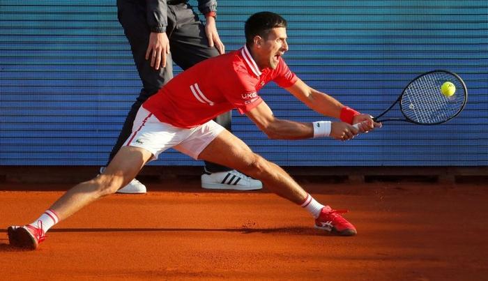 Nadal vào chung kết Barcelona, Djokovic thua sốc ở quê nhà - Ảnh 9.