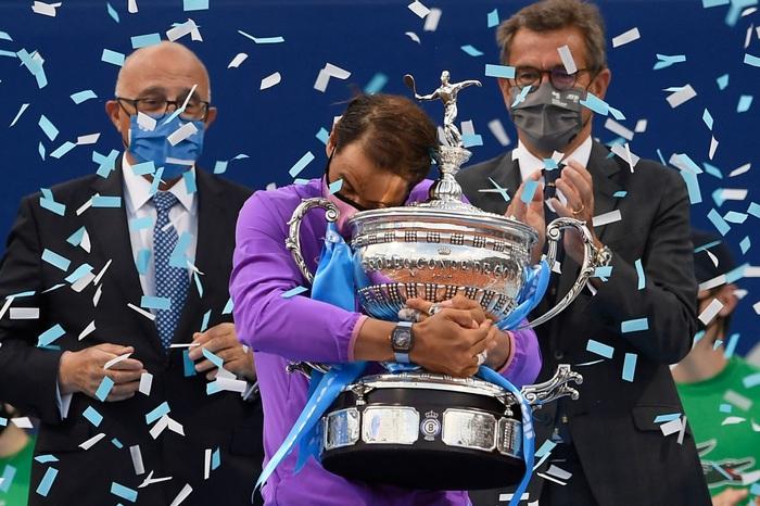 Rafael Nadal nghẹt thở vô địch Barcelona Open lần thứ 12 - Ảnh 12.