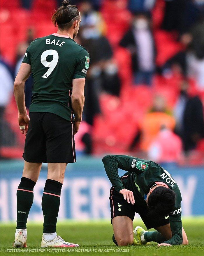 Son Heung-min khóc nức nở sau thất bại ở chung kết Cúp Liên đoàn Anh - Ảnh 4.