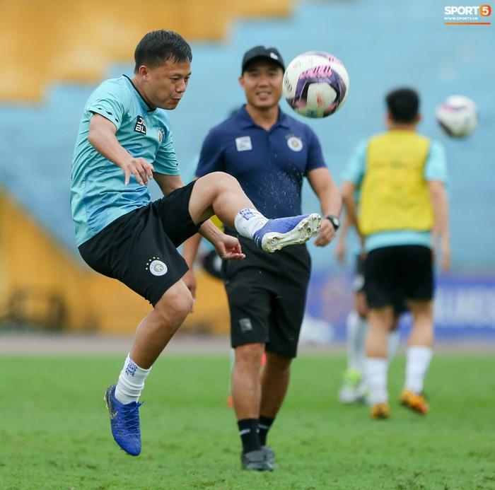 Cầu thủ Hà Nội FC tranh luận cực hăng với HLV Hàn Quốc khi chơi game - Ảnh 7.