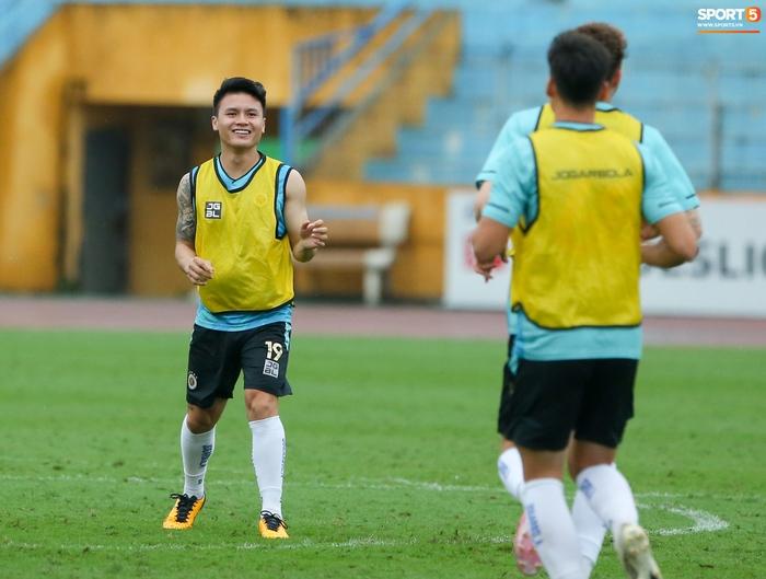 Cầu thủ Hà Nội FC tranh luận cực hăng với HLV Hàn Quốc khi chơi game - Ảnh 9.