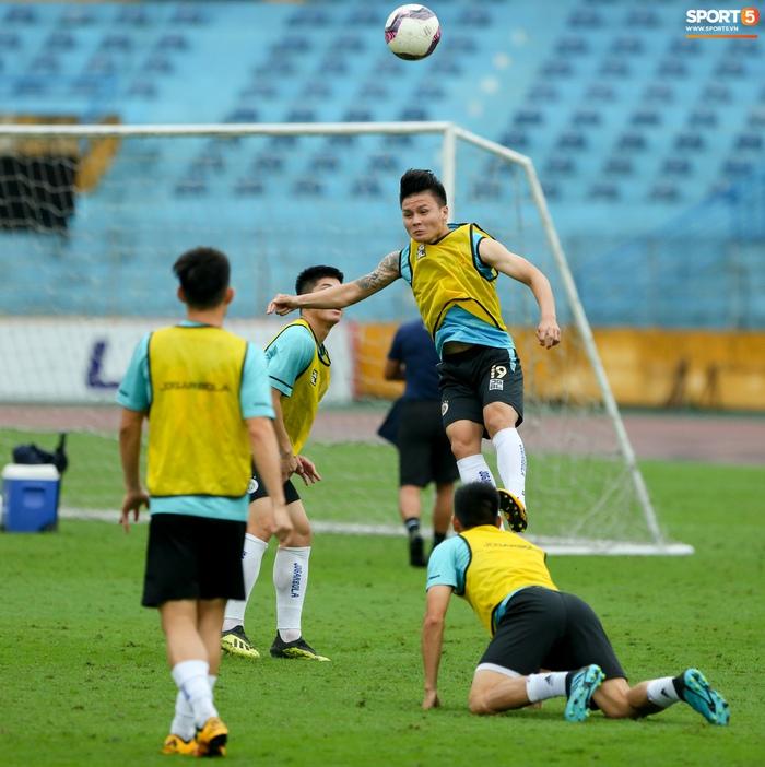 Cầu thủ Hà Nội FC tranh luận cực hăng với HLV Hàn Quốc khi chơi game - Ảnh 8.