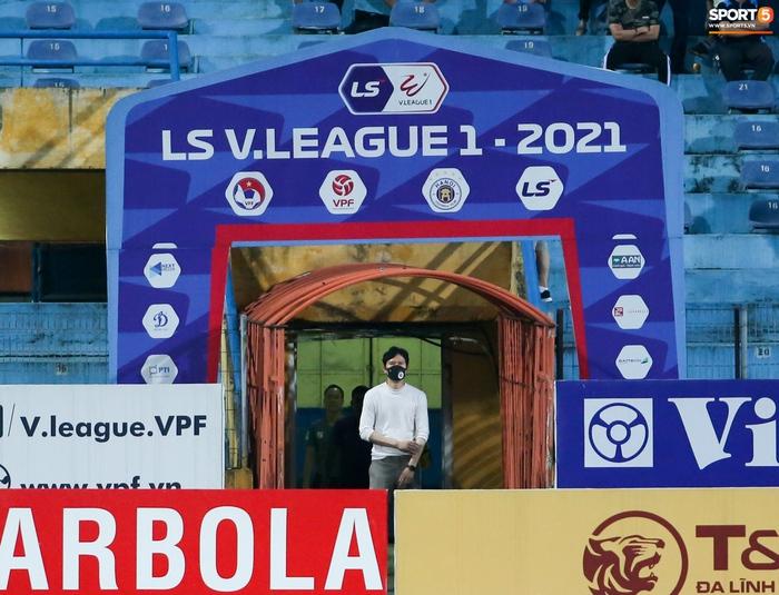 Cầu thủ Hà Nội FC xem HAGL thi đấu qua điện thoại, thất vọng khi Công Phượng ghi bàn - Ảnh 8.
