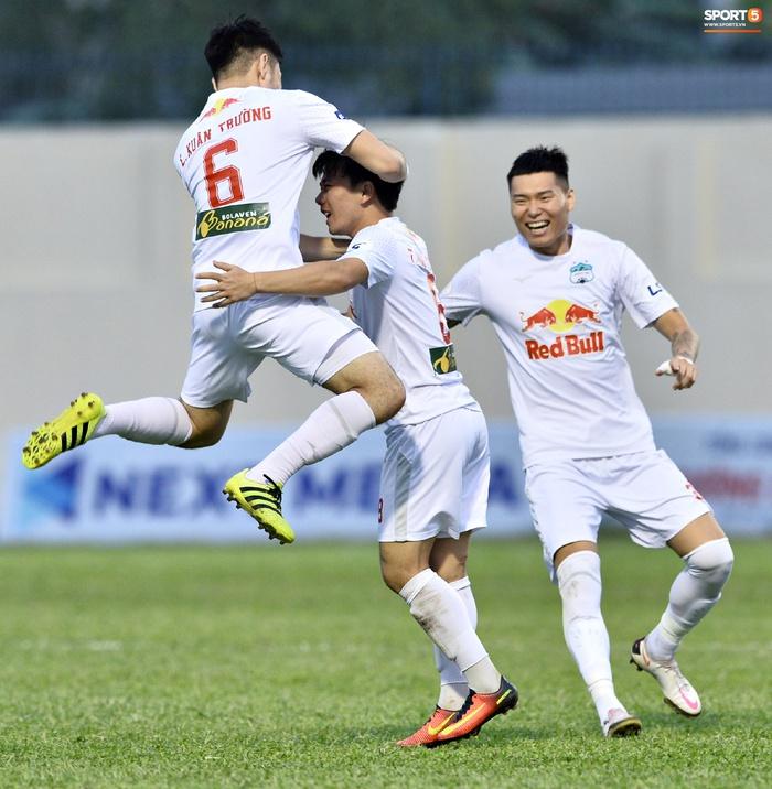 Trung vệ Kim Dong-su (HAGL): Biết đến Việt Nam vì Công Phượng và Xuân Trường, quyết vô địch trước khi nhập ngũ  - Ảnh 2.