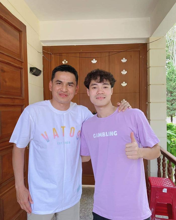 Nghề tay trái kiếm thu nhập khủng của Văn Toàn và hội cầu thủ Việt - Ảnh 2.