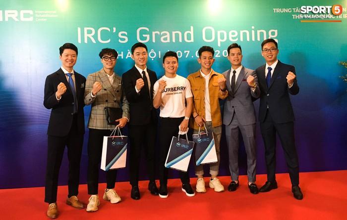 Nghề tay trái kiếm thu nhập khủng của Văn Toàn và hội cầu thủ Việt - Ảnh 3.
