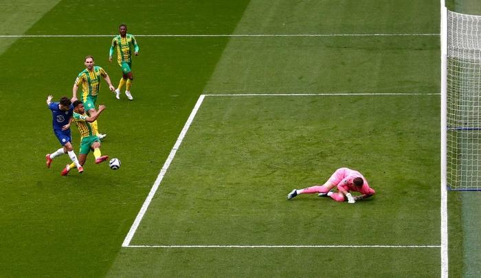 """Thiago Silva """"đi tắm"""" sớm, Chelsea thua tan nát trên sân nhà trước đội áp chót bảng - Ảnh 4."""