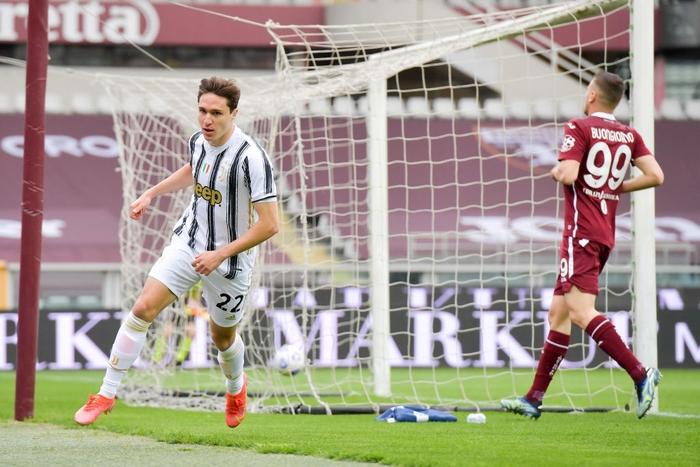 Hòa kịch tính tại derby thành Turin, Juventus giữ được vị trí trong top 4 - Ảnh 1.