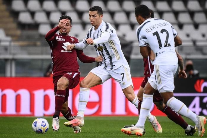 Hòa kịch tính tại derby thành Turin, Juventus giữ được vị trí trong top 4 - Ảnh 3.