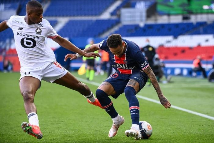 Neymar lập kỷ lục thẻ đỏ ở Ligue 1, trên đường rời sân còn lao vào đòi hành hung đối thủ - Ảnh 1.