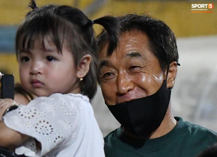 Trợ lý Lee Young-jin nhớ nhầm tuổi con gái Bùi Tiến Dũng, trêu đùa nhưng bị Sushi bơ - Ảnh 4.