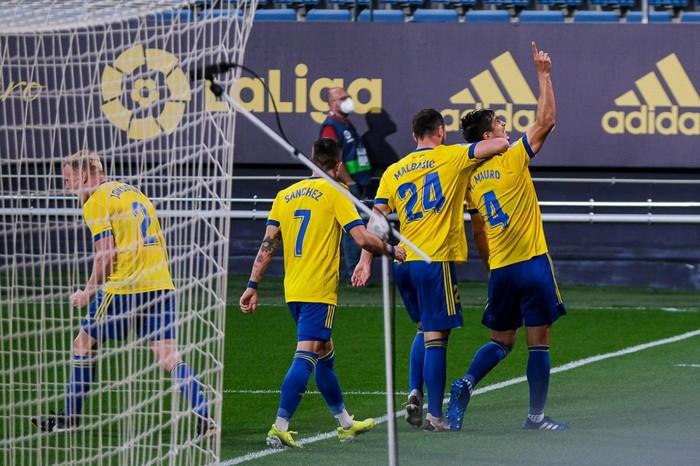 Cầu thủ Valencia đồng loạt rời sân giữa trận vì phân biệt chủng tộc - Ảnh 10.