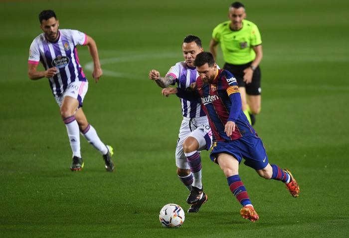 """""""Chân gỗ"""" Dembele tỏa sáng ở phút 90, Barcelona nhọc nhằn đánh bại Valladolid với tỷ số tối thiểu - Ảnh 1."""