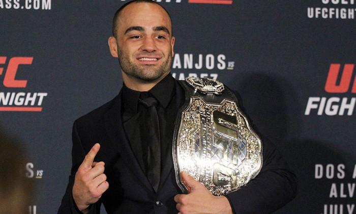 Eddie Alvarez từng giữ đai vô địch của UFC