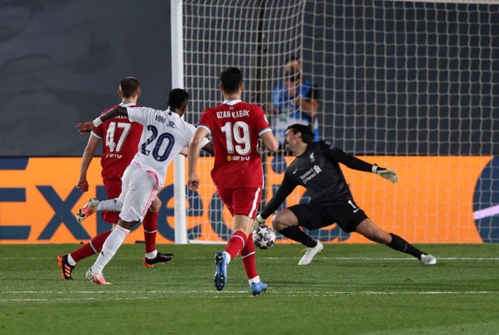 Vắng cả cặp trung vệ, Real Madrid vẫn đủ sức đè bẹp Liverpool ở Champions League - Ảnh 6.