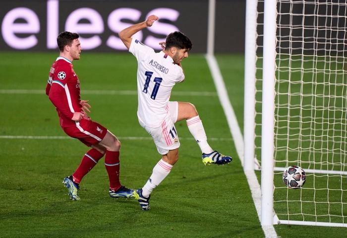 Vắng cả cặp trung vệ, Real Madrid vẫn đủ sức đè bẹp Liverpool ở Champions League - Ảnh 8.