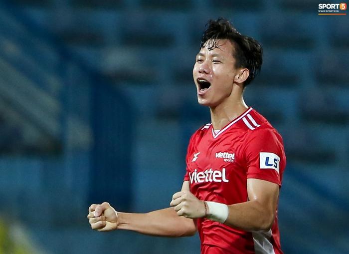Quế Ngọc Hải an ủi Đình Trọng khi giúp Viettel lần đầu khiến Hà Nội FC ôm hận - Ảnh 9.