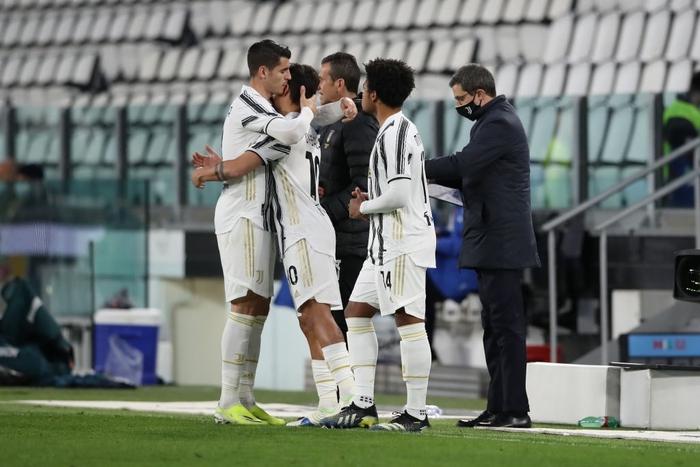 Ronaldo và Dybala cùng nổ súng giúp Juventus thắng Napoli - Ảnh 7.
