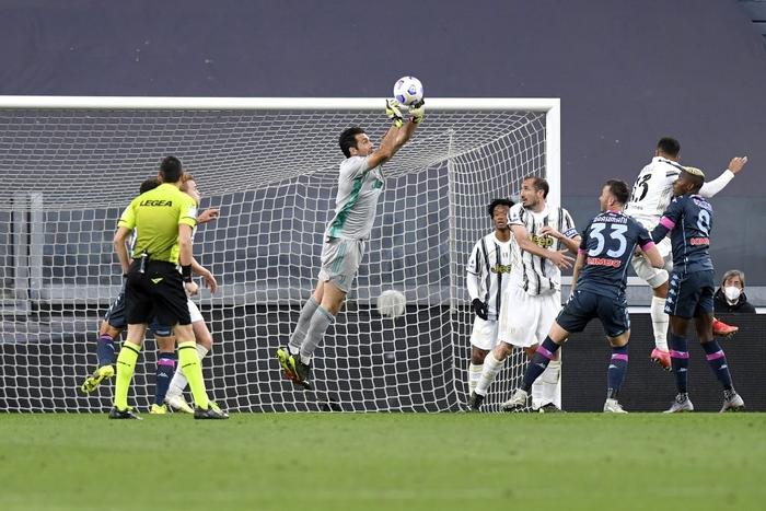 Ronaldo và Dybala cùng nổ súng giúp Juventus thắng Napoli - Ảnh 6.