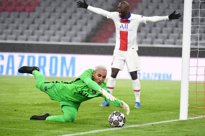 Thua đua PSG, Bayern lỡ cơ hội cân bằng kỷ lục của MU - Ảnh 6.