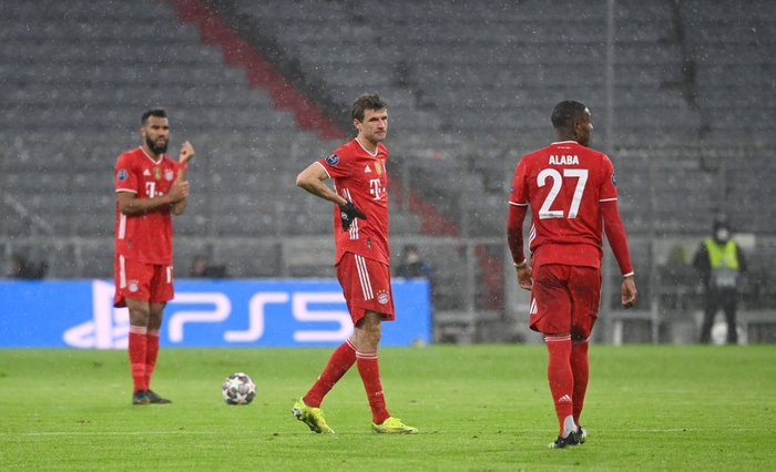 Thua đau PSG, Bayern lỡ cơ hội bắt kịp kỷ lục của MU - Ảnh 1.