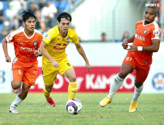 Văn Toàn dẫn đầu danh sách vua phá lưới nội khi lập siêu phẩm vào lưới Đà Nẵng FC - Ảnh 4.