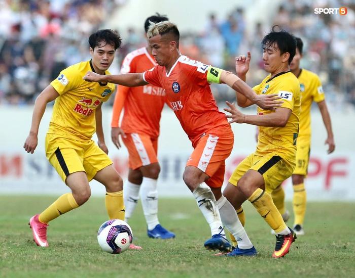 Văn Toàn dẫn đầu danh sách vua phá lưới nội khi lập siêu phẩm vào lưới Đà Nẵng FC - Ảnh 6.