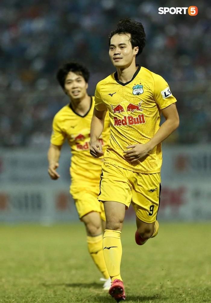 Văn Toàn dẫn đầu danh sách vua phá lưới nội khi lập siêu phẩm vào lưới Đà Nẵng FC - Ảnh 2.