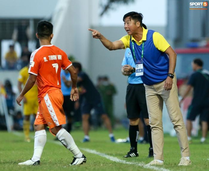 Hà Đức Chinh bị bệnh, đuối sức sau 45 phút thi đấu - Ảnh 2.