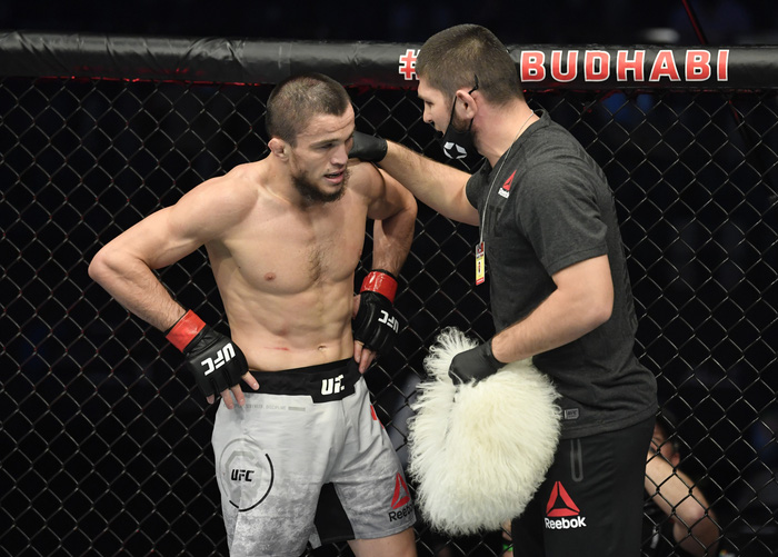 Vừa có màn ra mắt ấn tượng tại UFC, em họ của Khabib đã gặp phải chấn thương nặng buộc phải phẫu thuật - Ảnh 3.