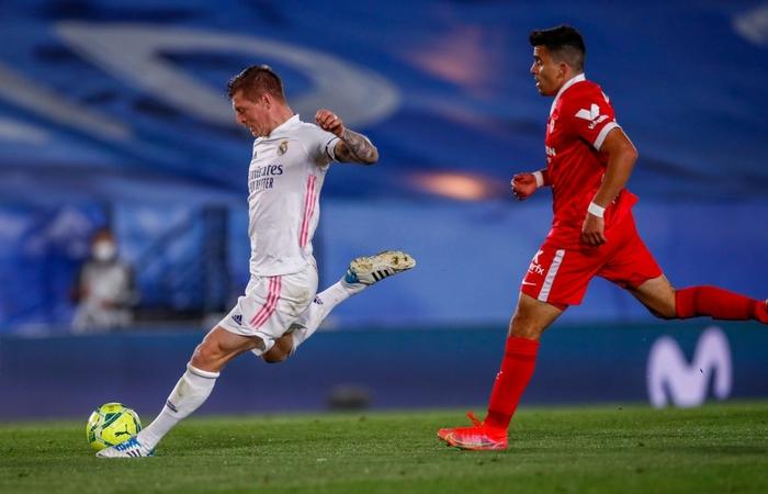 Hút chết trên sân nhà, Real Madrid bỏ lỡ cơ hội đánh chiếm ngôi đầu bảng - Ảnh 8.