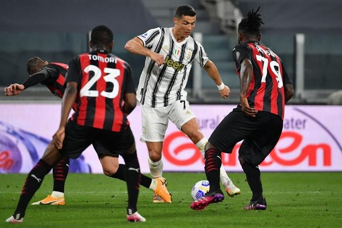 Ronaldo im lặng, Juventus thua tan nát trước AC Milan - Ảnh 2.