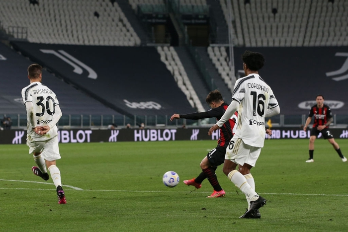 Ronaldo im lặng, Juventus thua tan nát trước AC Milan - Ảnh 4.