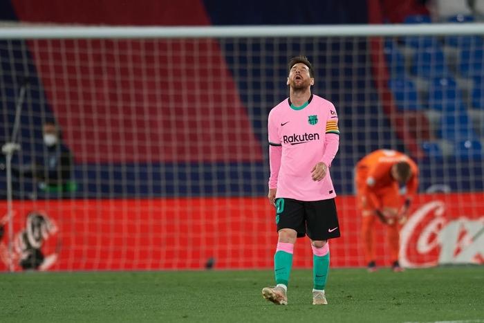 Hàng thủ thi đấu tệ hại, Barcelona sắp tan mộng vô địch La Liga - Ảnh 7.