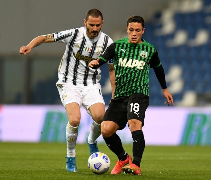 Ronaldo nổ súng, Juventus chật vật đua top 4 - Ảnh 3.