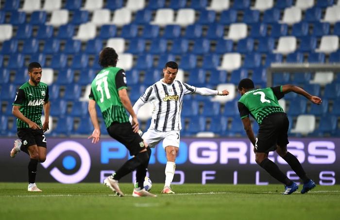 Ronaldo nổ súng, Juventus chật vật đua top 4 - Ảnh 6.