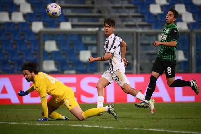 Ronaldo nổ súng, Juventus chật vật đua top 4 - Ảnh 8.