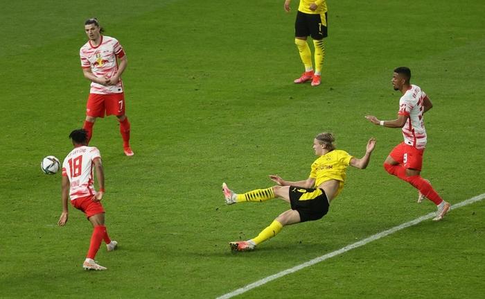 Sancho và Haaland rực sáng đưa Dortmund vô địch Cúp Quốc gia Đức - Ảnh 7.