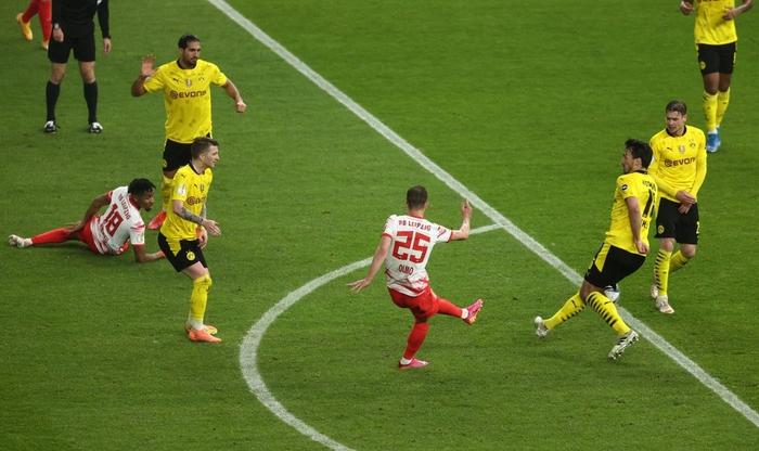 Sancho và Haaland rực sáng đưa Dortmund vô địch Cúp Quốc gia Đức - Ảnh 6.
