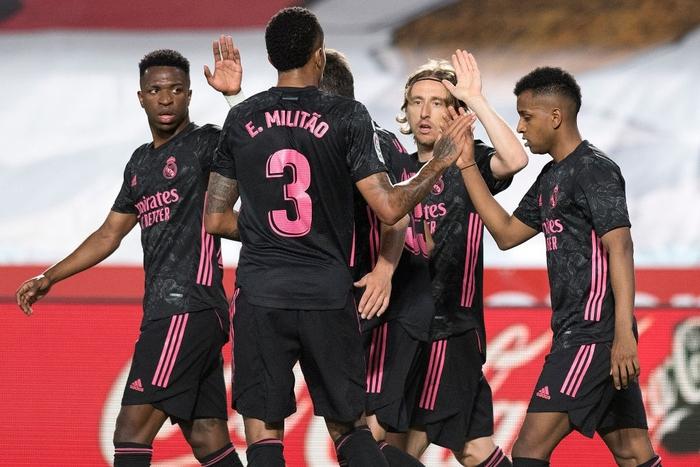 Đè bẹp Granada, Real Madrid tiếp tục tăng độ kịch tính cho cuộc đua vô địch La Liga - ảnh 2