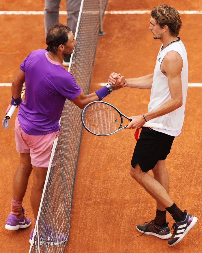 """Nadal """"trả nợ"""" thành công trước Zverev, Djokovic lâm vào thế nguy ở tứ kết Rome Masters - Ảnh 10."""