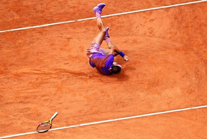 """Nadal """"trả nợ"""" thành công trước Zverev, Djokovic lâm vào thế nguy ở tứ kết Rome Masters - Ảnh 6."""