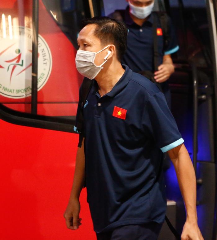 ĐT Việt Nam lên đường lúc nửa đêm, sẵn sàng tranh vé dự Futsal World Cup - Ảnh 9.